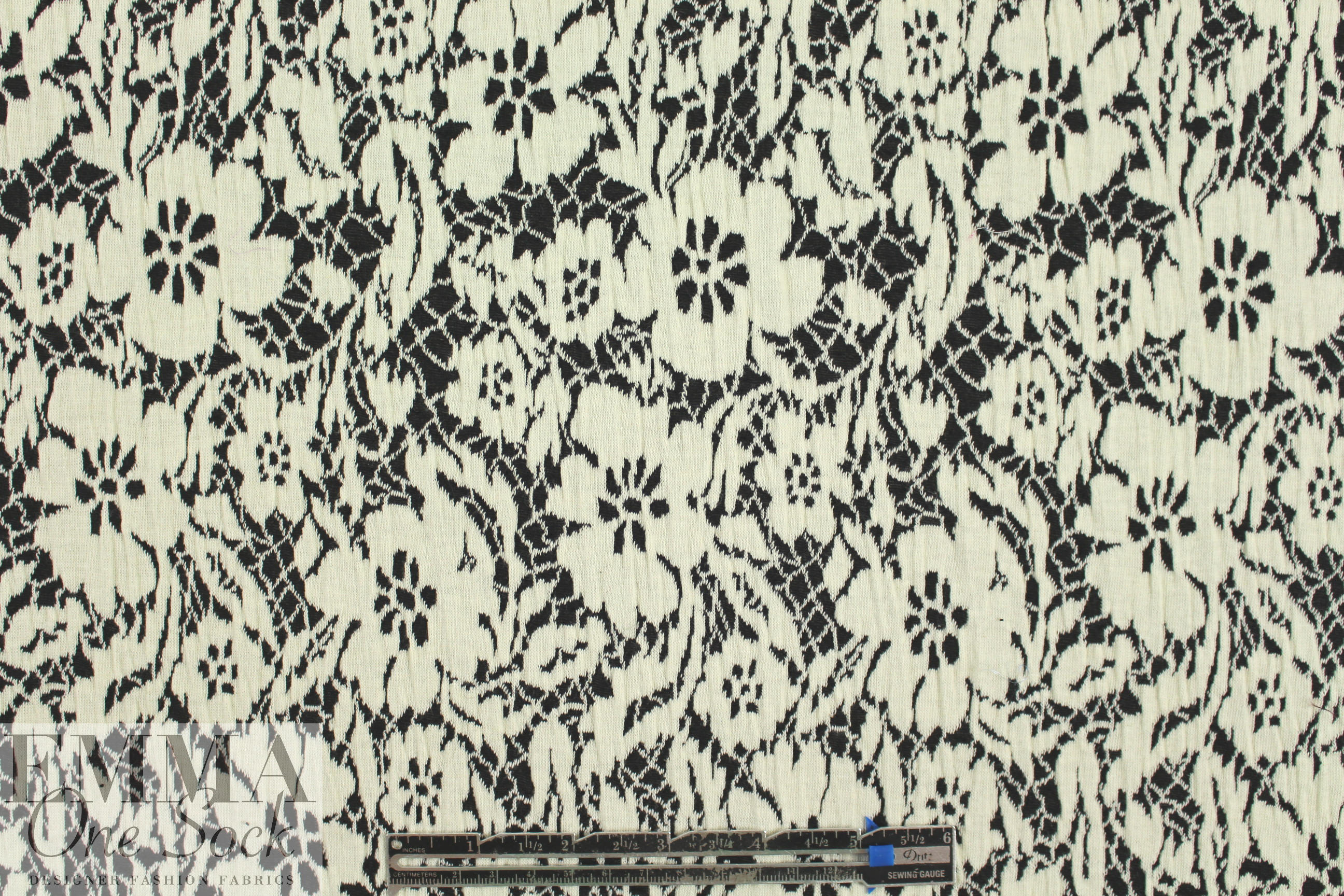 Ny Designer Black Ivory Floral 2 Ply Matelasse Knit From Wool Conversion Tables Fabric Photo